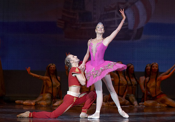 Анастасия Волочкова онлайн биография и семейное Волочкова в балете Корсар